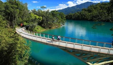 Hồ Nhật Nguyệt - Khám phá nét đẹp mùa thu Đài Loan